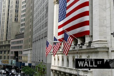 US Futures Higher as Attention Shifts to Earnings