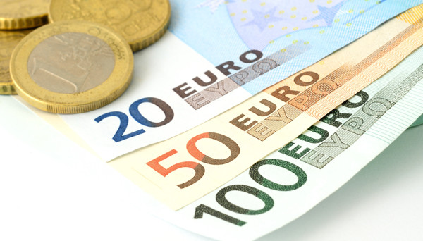 EUR/USD – Euro Hugs 1.06 as US Markets Closed for Holiday